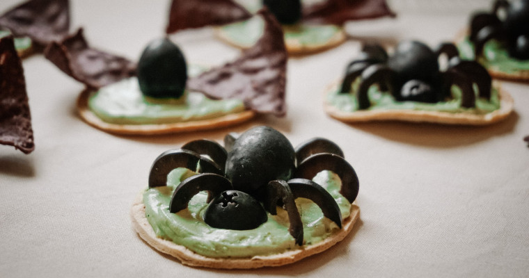 Vegan Halloween Recipe – Bats & Spider Bites